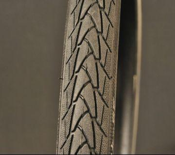 "Schwalbe Marathon Plus Tires 700x32c 32-622 28x1.25"" Smart guard Touring tyres"