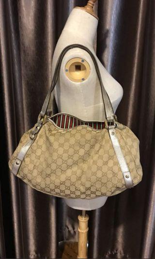 Gucci Borsa Abbey Medium Shoulder bag