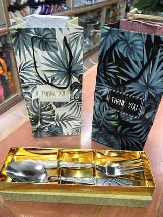 Door gift with packaging