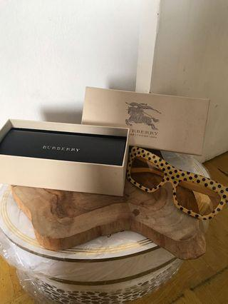Burberry Vintage Style Glasses