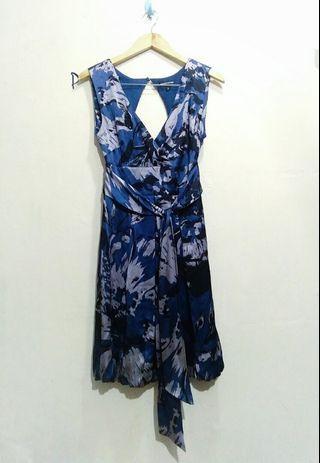 Warehouse,  abstrak dress
