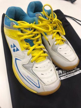 羽毛球運動鞋 yonex 黃藍白配色鞋款 size 24