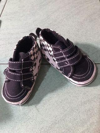 Baby shoes like vans