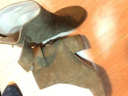 Nine West ankle boots, size 38, suede