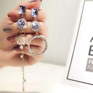 Evie Asymmetrical Ultra-edgy Earrings