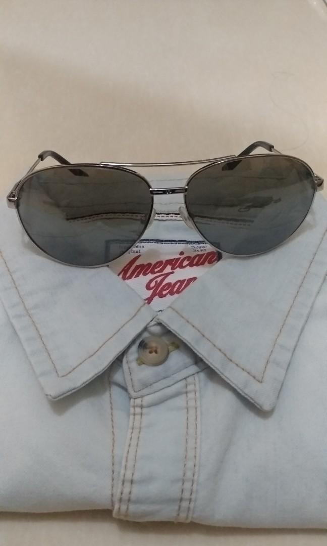 Kacamata sunglases