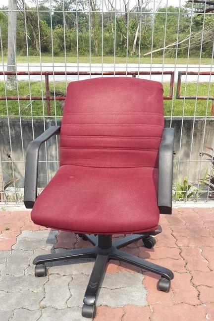 Office Chair Meroon Colour