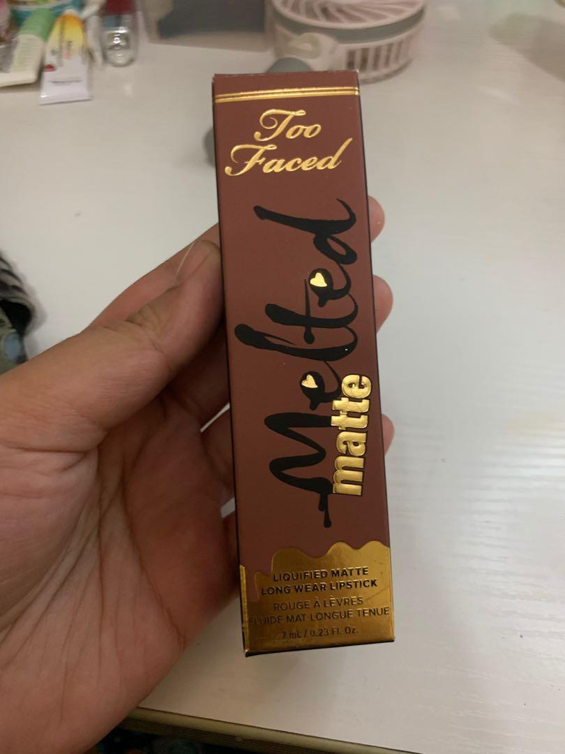Too Faced Melted matte shade cool girl