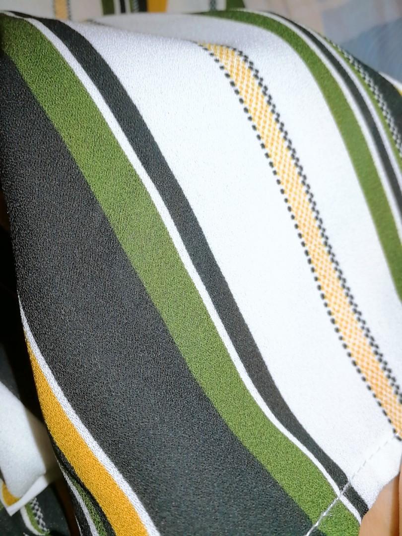 Urban Behaviour Sleeveless Dress Shirt Size Medium