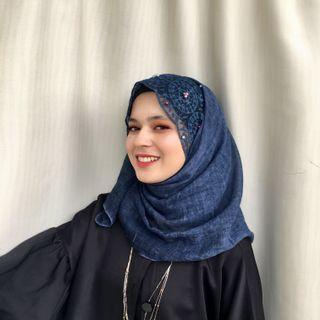 PROMO‼️ New💯 Bell Pearl Colourful Lace Shawl in Blue Colour