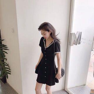 復古花邊翻領排扣短袖洋裝 黑x白