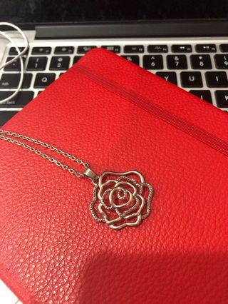 Rose Pendant (without chain)