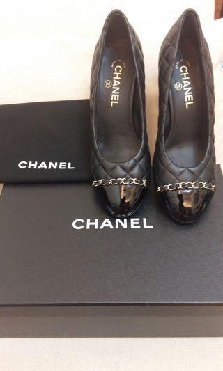 香奈兒全新黑色菱格紋中跟鞋38號