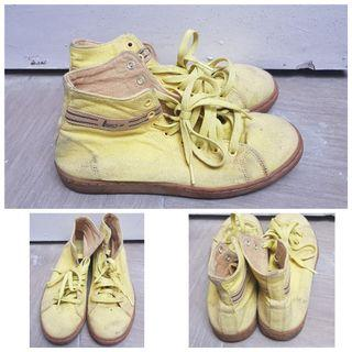 League Yellow Sneakers