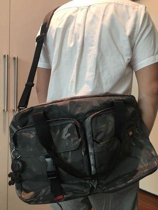 迷彩超大側背包