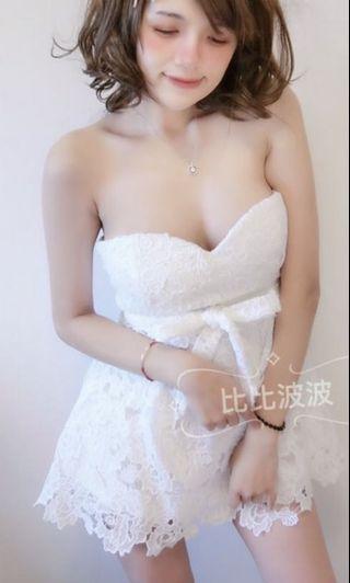 平口傘襬蕾絲洋裝白色和綠色洋裝