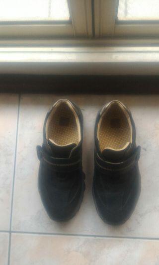 阿瘦休閒皮鞋
