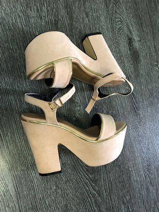 NOSE - platform heels