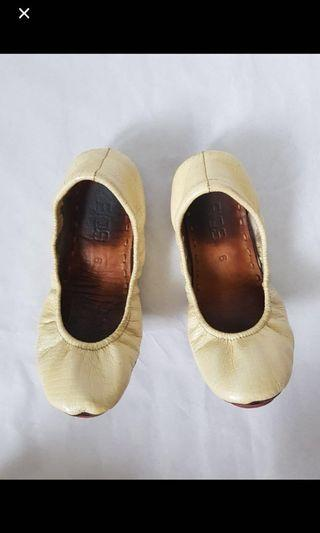 Fiqs Genuine Leather Foldable Flats