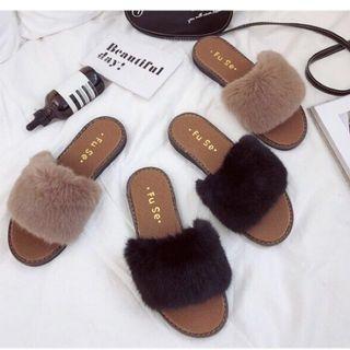 (韓系必敗單品_強力推薦款)韓系時尚百搭保暖毛毛平底拖鞋款