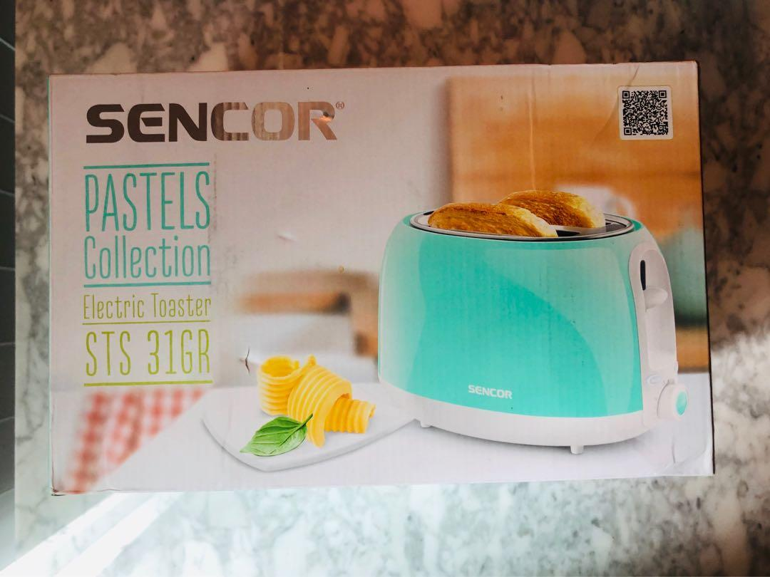 *BRAND NEW - never opened Pastel Turquoise Toaster*