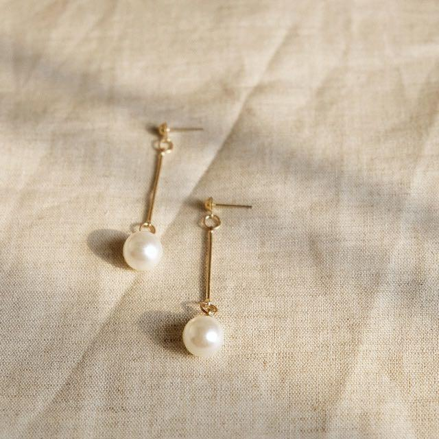 pearl earrings gold white anting