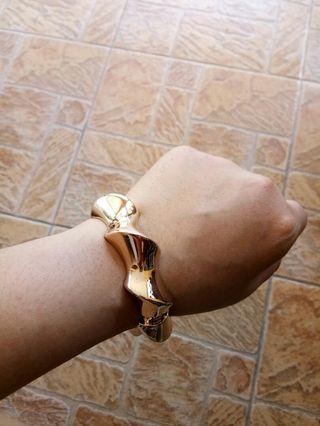 Lovisa Gold Bangle