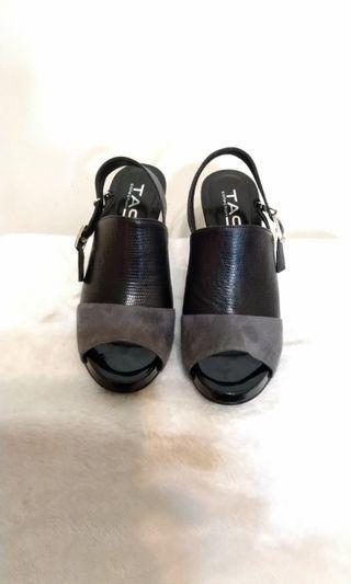 TAS壓紋拼接麂皮魚口高跟涼鞋-時髦黑 37號