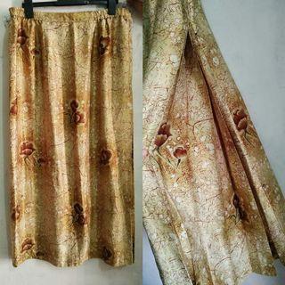 Long skirt flower