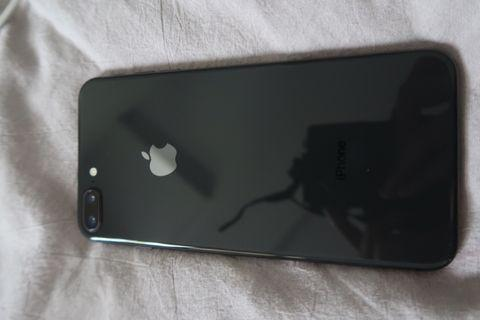 Selling iPhone 8 Plus 256GB Space Gray