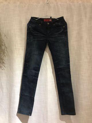 A.D.F美國品牌直筒窄管深色牛仔褲