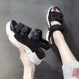 Size 39 NEW Platform Shoes (Black)