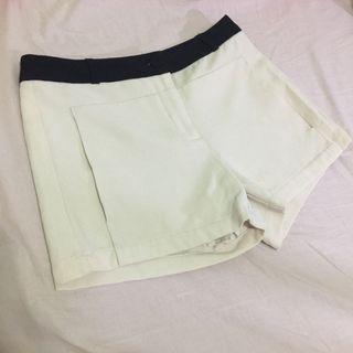 🈹大降價🈹韓版米白短褲