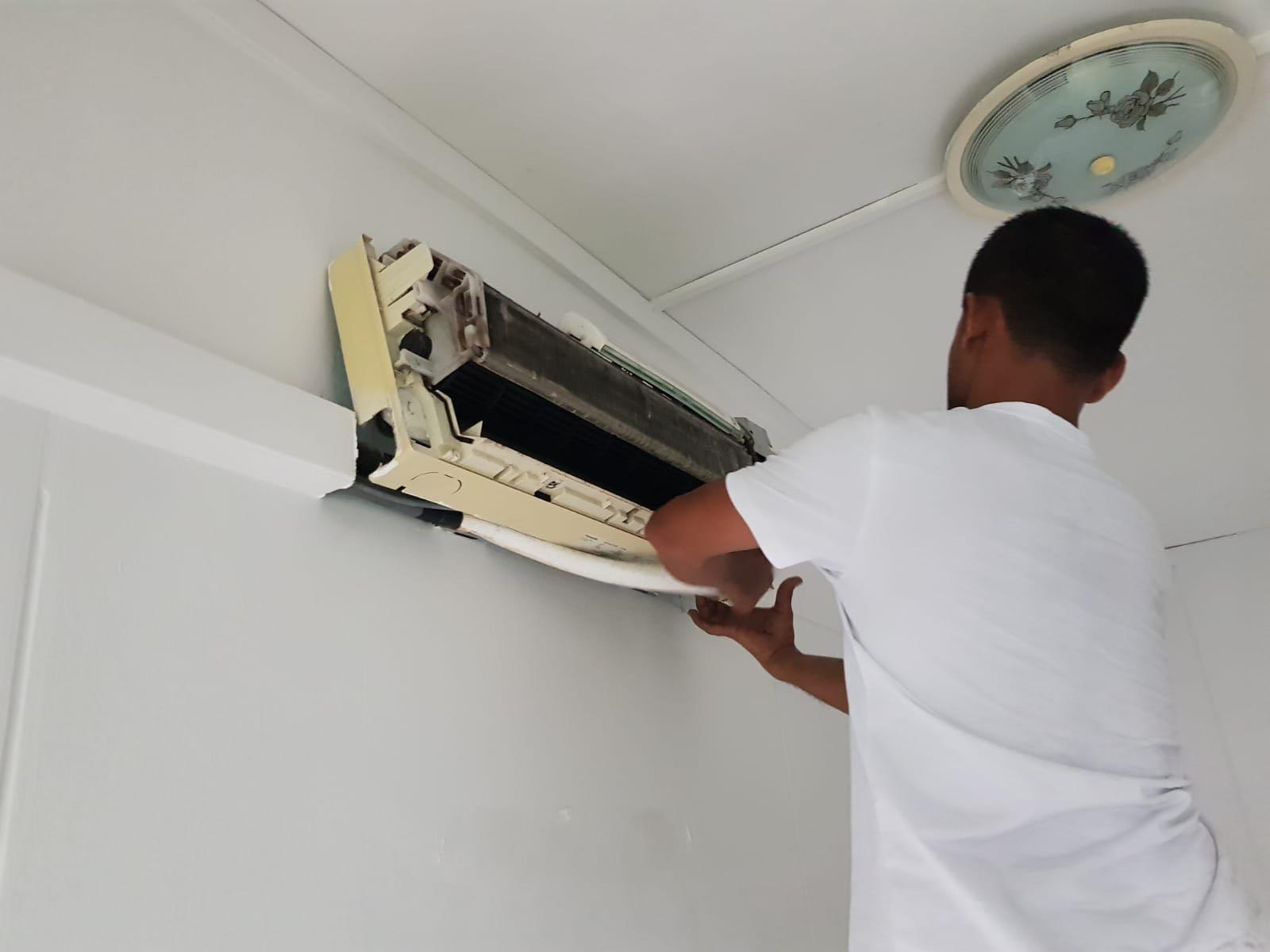 Aircon Servicing & Cleaning! Reasonably priced!