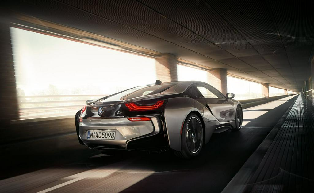 BMW i8 Pure Impluse