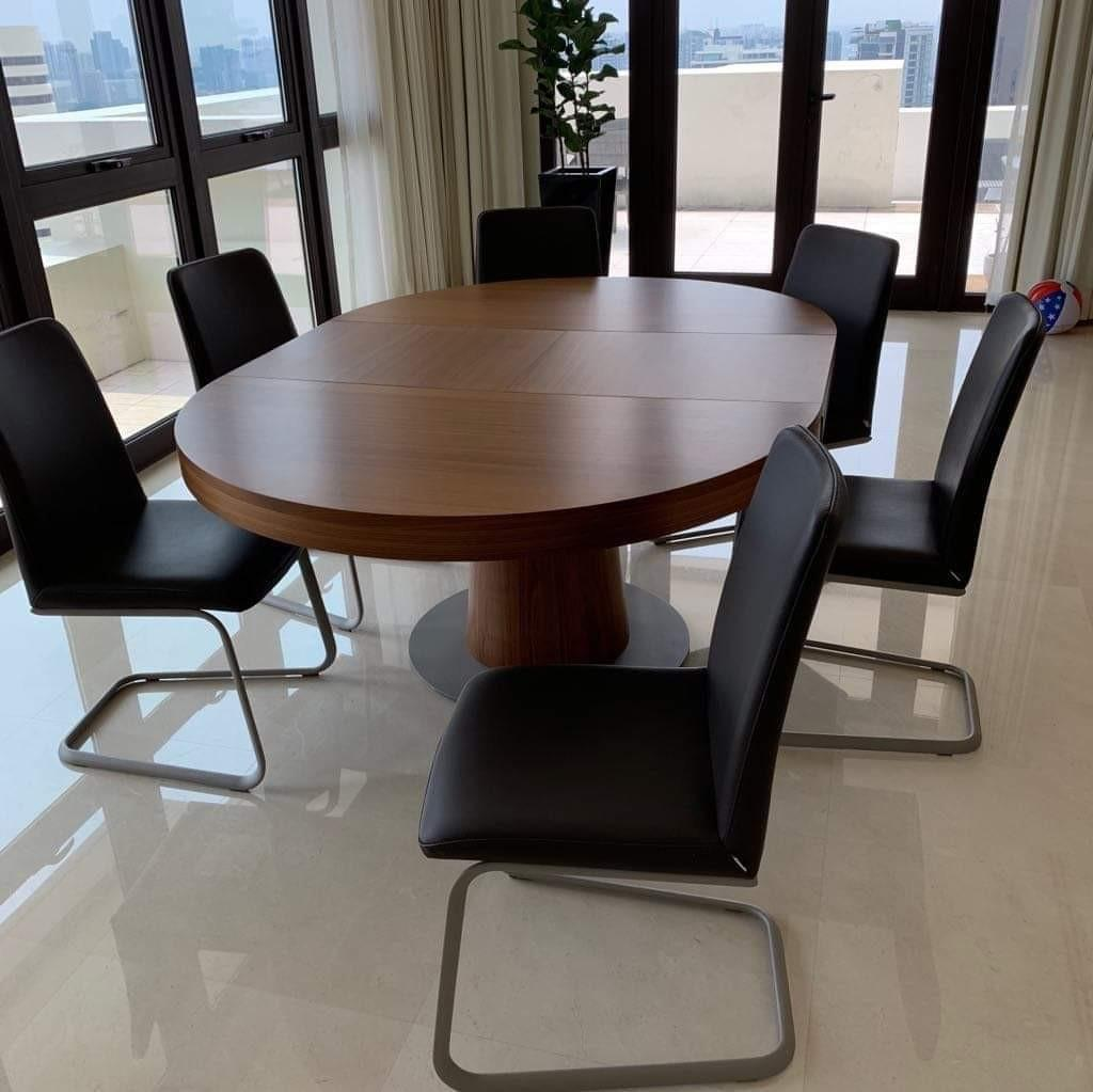 Wondrous Dining Table And Chairs From Boconcept Furniture Tables Uwap Interior Chair Design Uwaporg