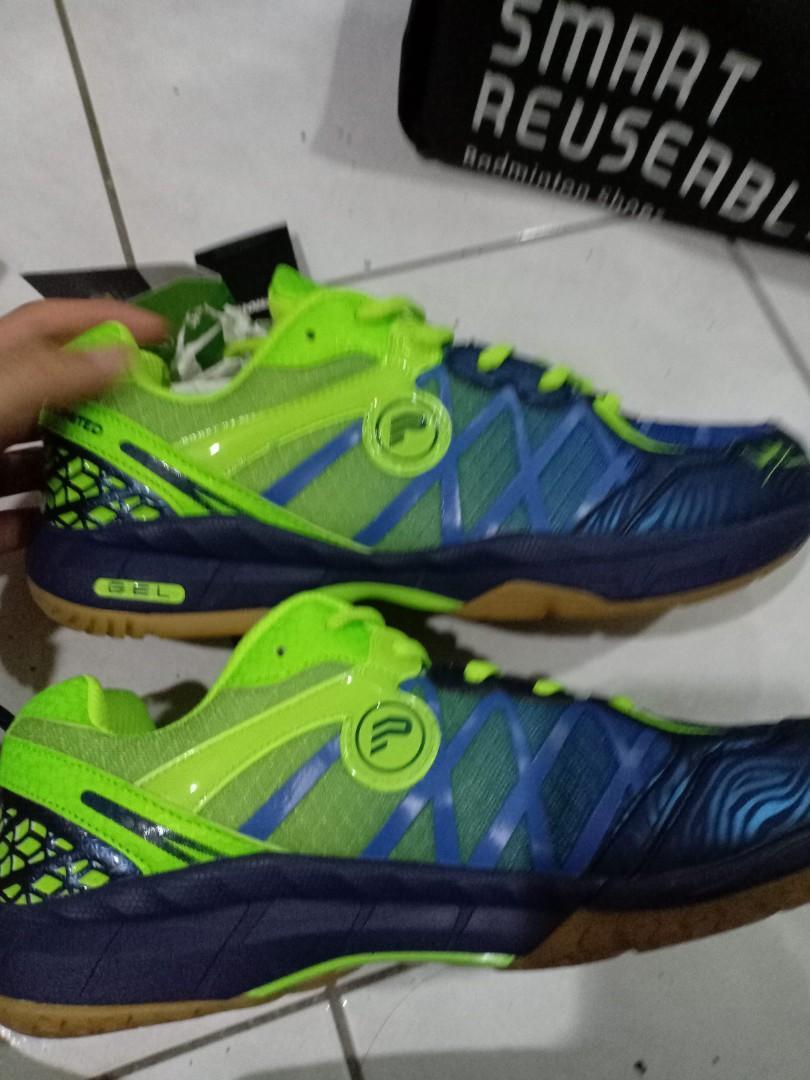 Protech badminton shoes, Sports