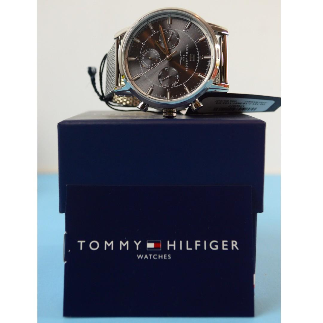 Tommy Hilfiger Men's 1790877 Sport Grey Dial Stainless Steel Watch