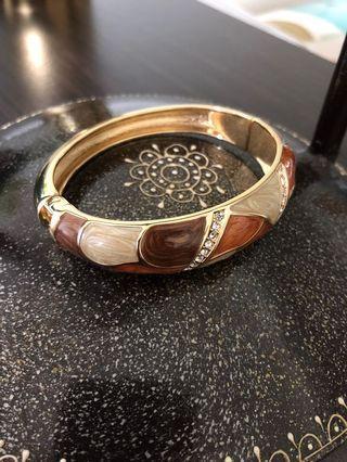 《手飾》橢圓茶金碎鑽彩釉環(手環)