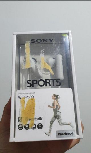 Sony WI SP500 wireless bluetooth earphone headset white