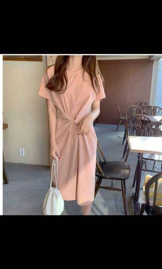 全新綁帶粉色洋裝