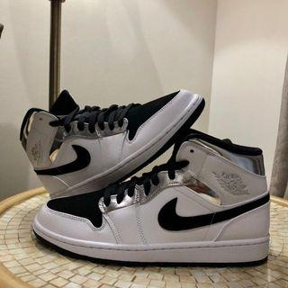Air jordan 1 Mid White metalic silver black
