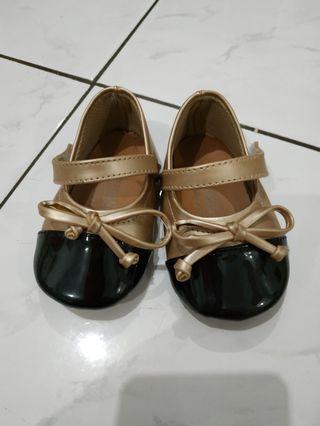 Sepatu anak bayi merk Tamagoo