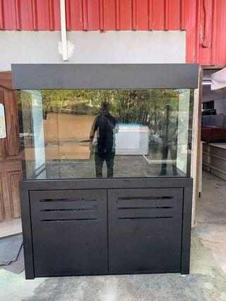 5ft by 2.5ft by 3ft 15mm all round glass tank with hood