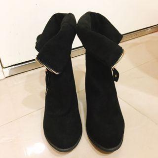黑色麂皮秋冬短靴