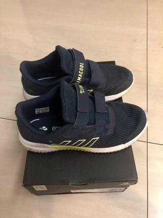 adidas兒童球鞋/21cm