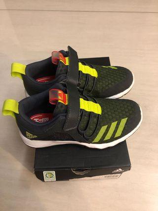 adidas兒童球鞋/20cm