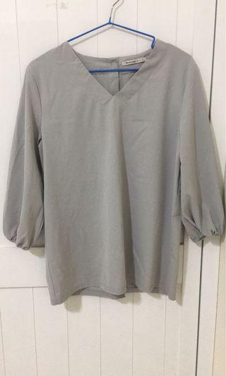 ✨Mercci 後排釦灰色上衣✨