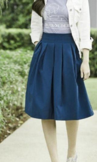 Uniqlo Navy Blue Flare Pleated Skirt with Pocket