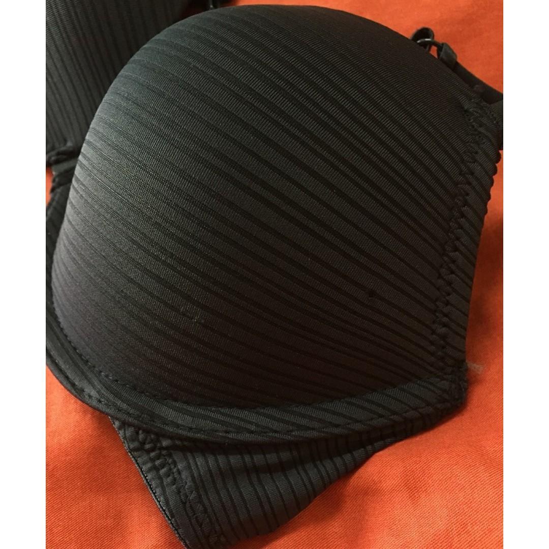 6IXTY8IGHT 深藍色條紋前扣式厚墊集中鋼圈內衣胸罩 B80 C75可穿